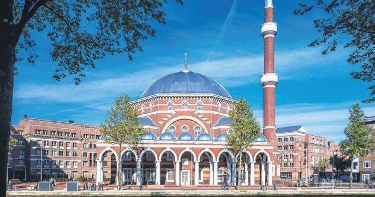 Hollanda'da camiler kapatılabilecek