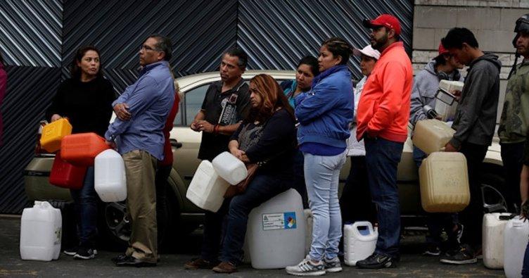 Meksika'da akar yakıt krizi: Bidonlarla taşıyorlar