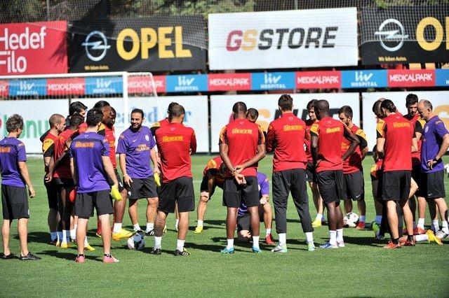 Galatasaray'ı Şaş ve Davala çalıştırdı