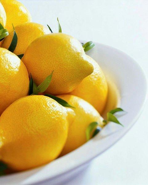 Limon suyunun cilde yaptığı inanılmaz faydalar