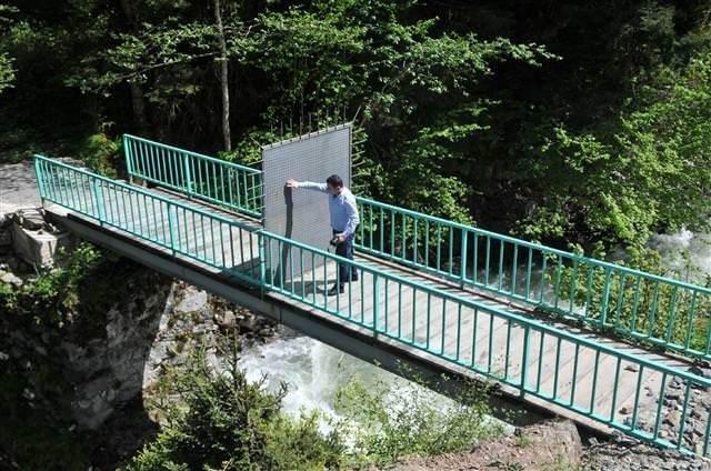 Rize'de anahtarla girilen köprü