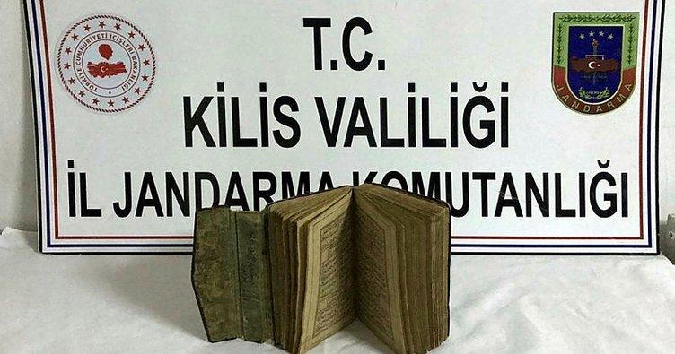 Kilis'te 15'inci yüzyıldan kalma el yazması kitap ele geçirildi