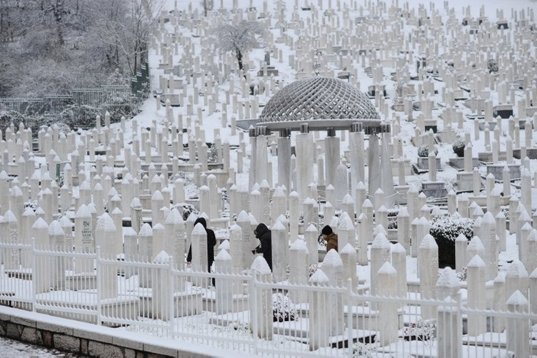 Saraybosna'da mevsimin ilk karı yağdı