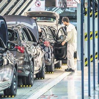 Otomotiv dış ticaret fazlası 8.7 milyar dolar oldu