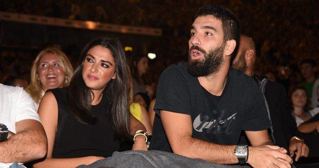 Arda Turan'ın sevgilisi Aslıhan Doğan sosyal medyaya geri döndü