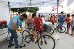 """Başakşehirli çocuklar """"Bisikletçi Amca"""" ile daha mutlu"""