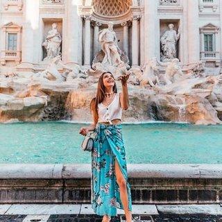 Roma sokaklarını gezdi