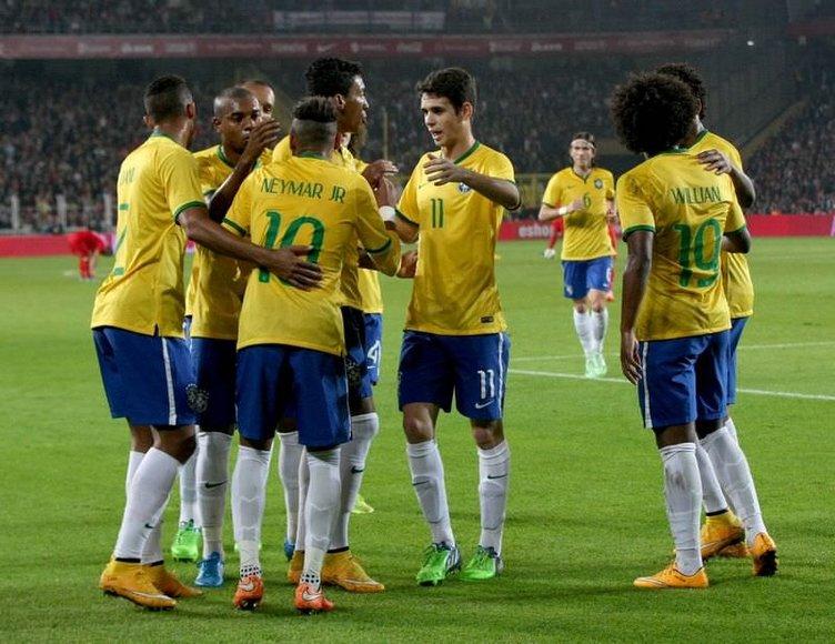 Tribünler Neymar'a hayran kaldı