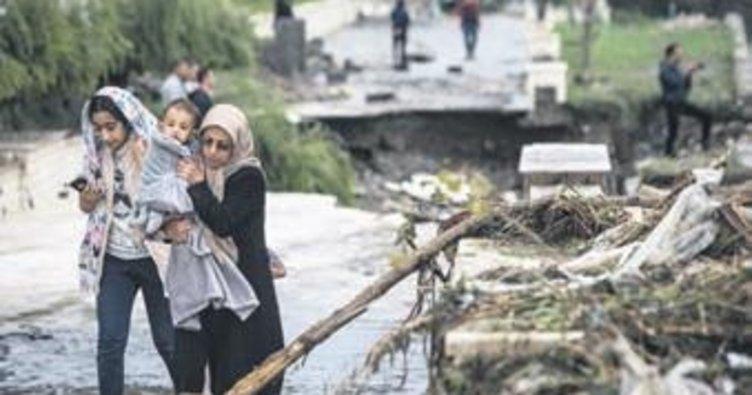 İran'da sele 8 kurban