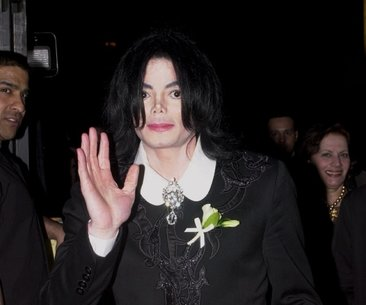 Michael Jackson'ın duruşunun sırrı çözüldü!
