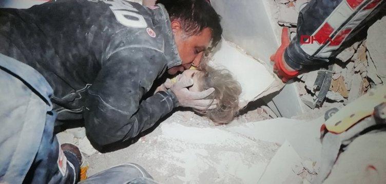 Son dakika: Türkiye gözyaşlarına boğuldu... İşte Ayda'nın kurtarılma anından kareler!