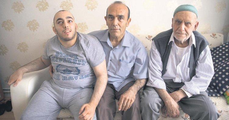 Eşi ölünce hayatını SP'li oğluna adadı