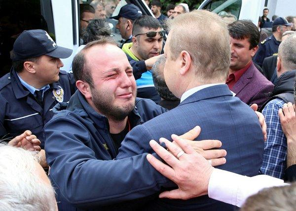 Şehit polis memuru Mehmet Ayan son yolculuğuna uğurlandı