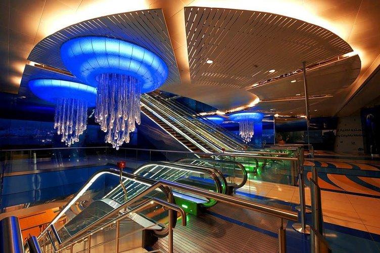 Tasarım harikası metro istasyonları