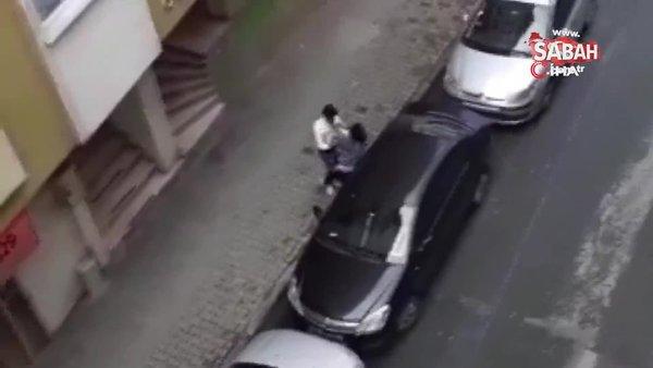 Hamile karısını sokak ortasında böyle dövdü | Video