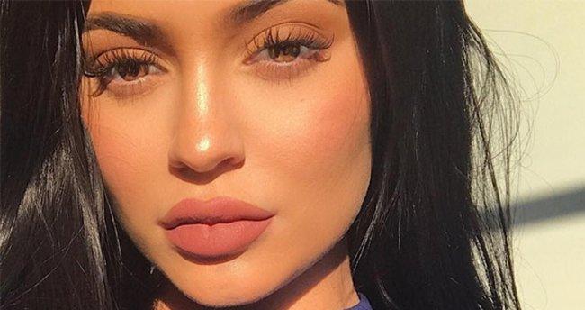 Kylie Jenner'ın dudakları servet ediyor! - Son Dakika Magazin Haberleri