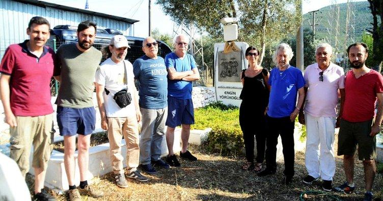 Merhum baterist Yörükoğlu'nun mezarına ziyaret