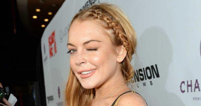 Lindsay Lohan görüntüsüyle şaşırtıyor!