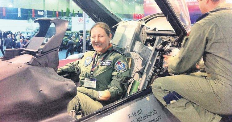 İlk kadın F-16 pilotu hikâyesiyle ilham veriyor