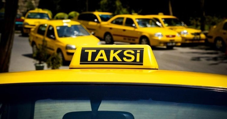 İstanbul'un göbeğinde taksiciler bildiklerini okuyor