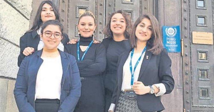 SANKO'lu öğrenciler Türkiye'yi temsil etti