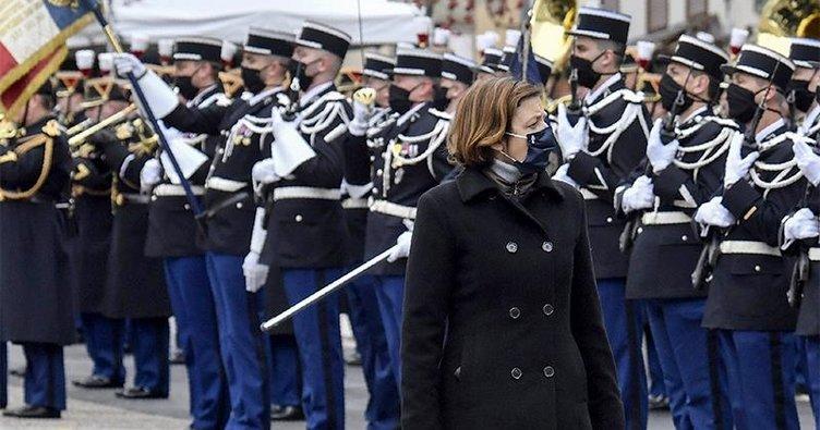 Fransız entelektüellerden Savunma Bakanına korkak eleştirisi