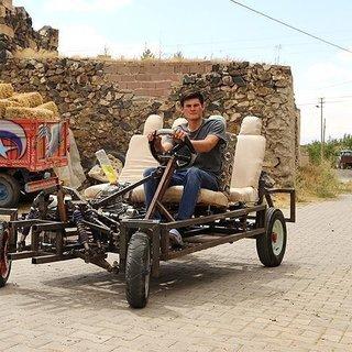 Lise mezunu genç kendine araba yaptı