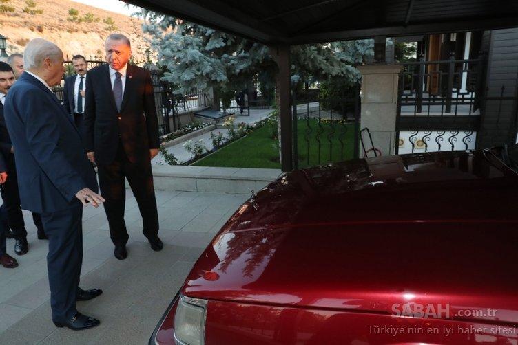 Bahçeli'den Başkan Erdoğan'a klasik otomobil sürprizi