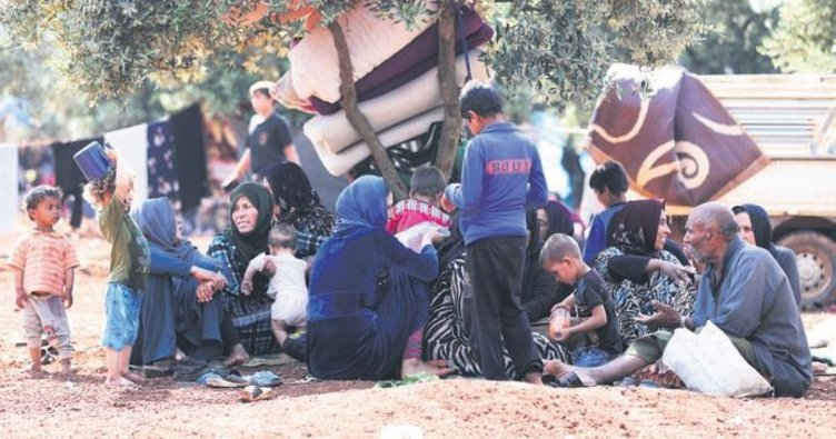 Siviller Türkiye sınırına kaçıyor