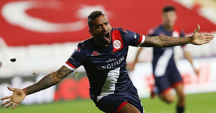Trabzonspor uzatmalarda puanı kaptı! Antalyaspor 1-1 Trabzonspor