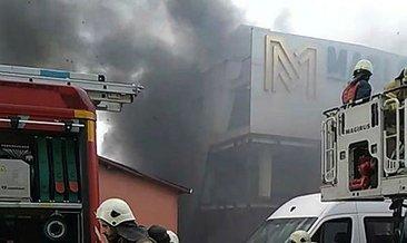 Son dakika: Kağıthane'de iş merkezinde yangın