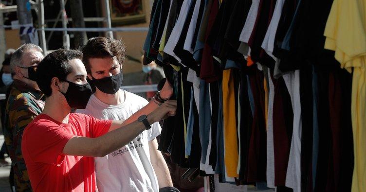 Koronavirüs nedeniyle kapatılan Madrid'in ünlü bit pazarı 8 ay sonra yeniden açıldı