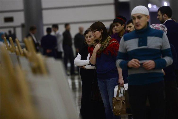 Hz.Muhammed'in saçı Moskova'da ziyarete açıldı