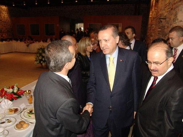 Erdoğan edebiyatçılarla buluştu