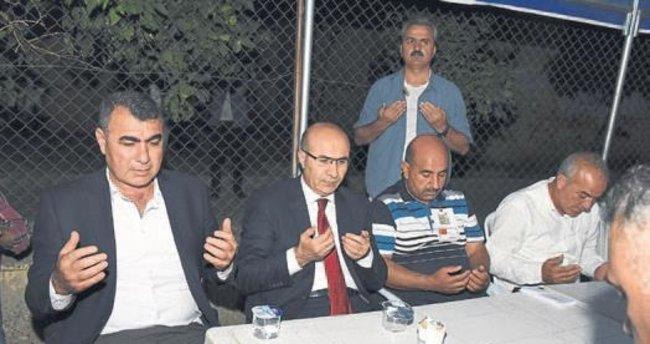 Vali Mahmut Demirtaş şehit ailesini ziyaret etti