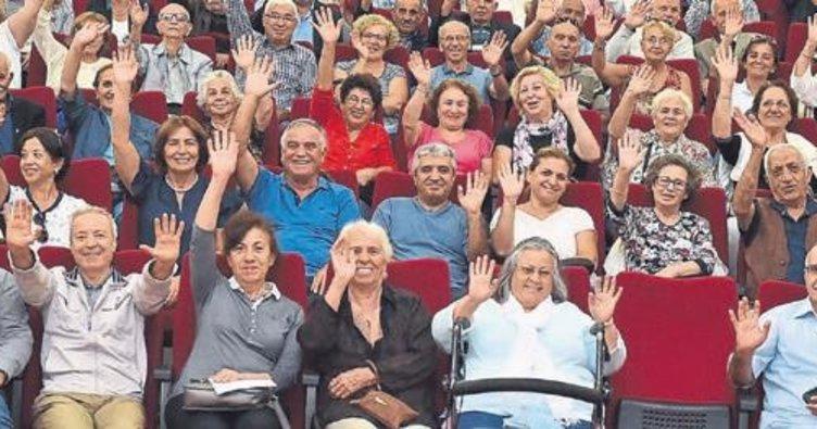 """""""60+Tazelenme Üniversitesi"""" Girne Üniversitesi'nde başlıyor"""