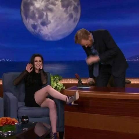 Kristen canlı yayında şov yaptı