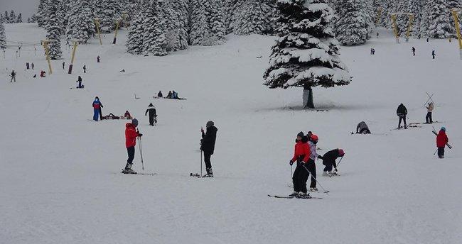 Uludağ'da kayak başladı! Otelde konaklayana kısıtlama yok kayak var