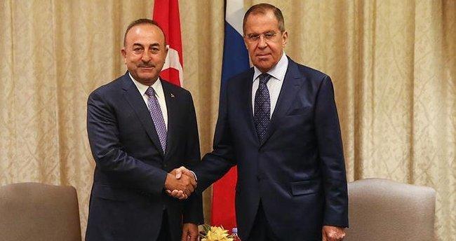 Son dakika: Dışişleri Bakanı Mevlüt Çavuşoğlu, Rusya Dışişleri Bakanı Sergey Lavrov'la telefonda görüştü