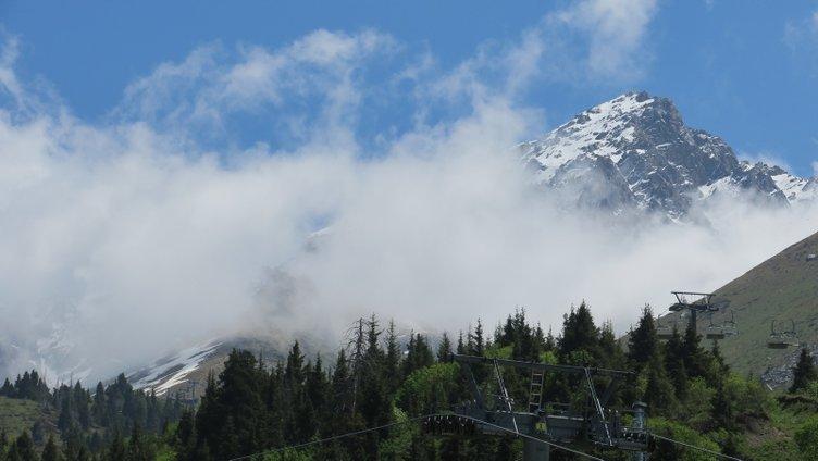 Kazakistan'da Çimbulak kayak merkezi ve Büyük Almatı Gölü'ne turist ilgisi