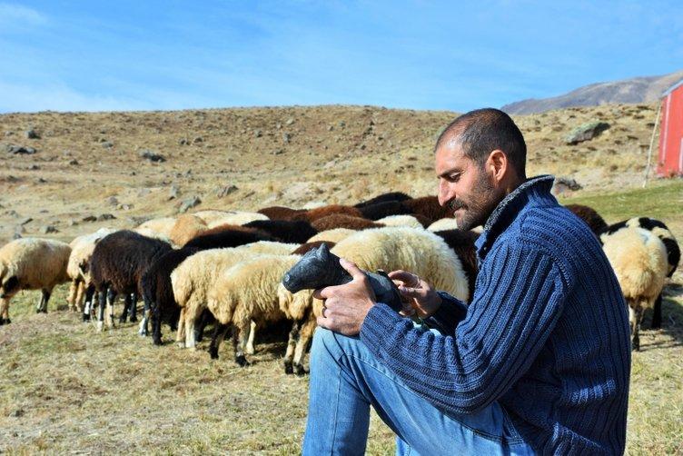 Heykeltıraş çobanın hayali sergi açmak