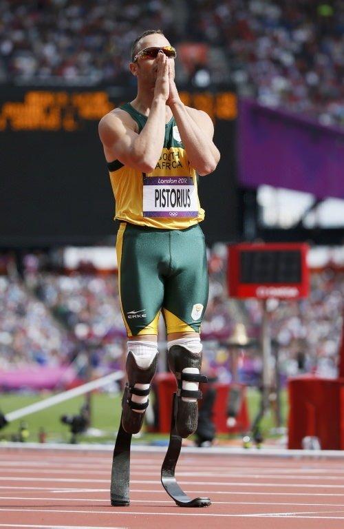 Oscar Pistorius protez bacaklarıyla yarı finale yükseldi