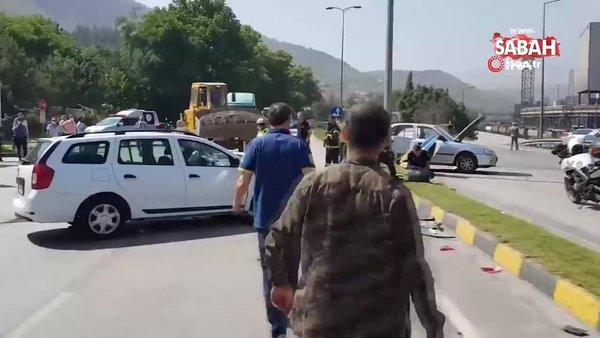 İki otomobilin çarpıştığı kazada LPG tankı yola fırladı | Video