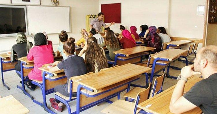 Öğrencilerin teorik eğitimi başladı