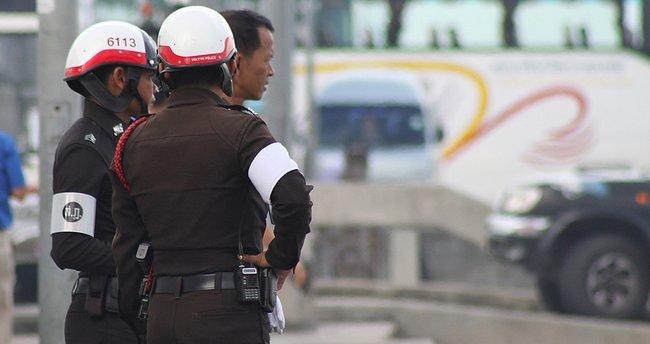 Tayland'da polis ile protestocular arasında çıkan arbedede 33 kişi yaralandı