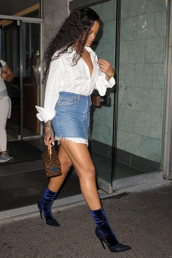 Rihanna yeni stiliyle görenleri şaşırtmaya devam ediyor