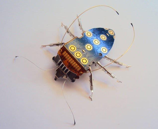 Böceğe dönüşen elektronik devreler