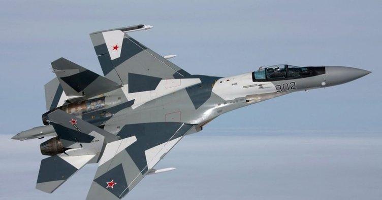 Rusya'nın Su-27 uçağı Alman ve ABD'nin gözetim uçaklarını engelledi