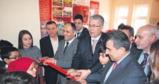 Ortaokulda '15 Temmuz Şehitler Köşesi' açıldı