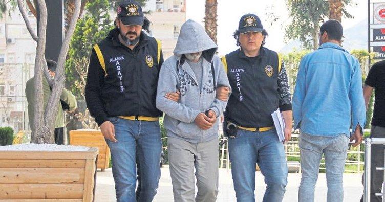 18 suçtan aranan şahıs Alanya'da yakalandı